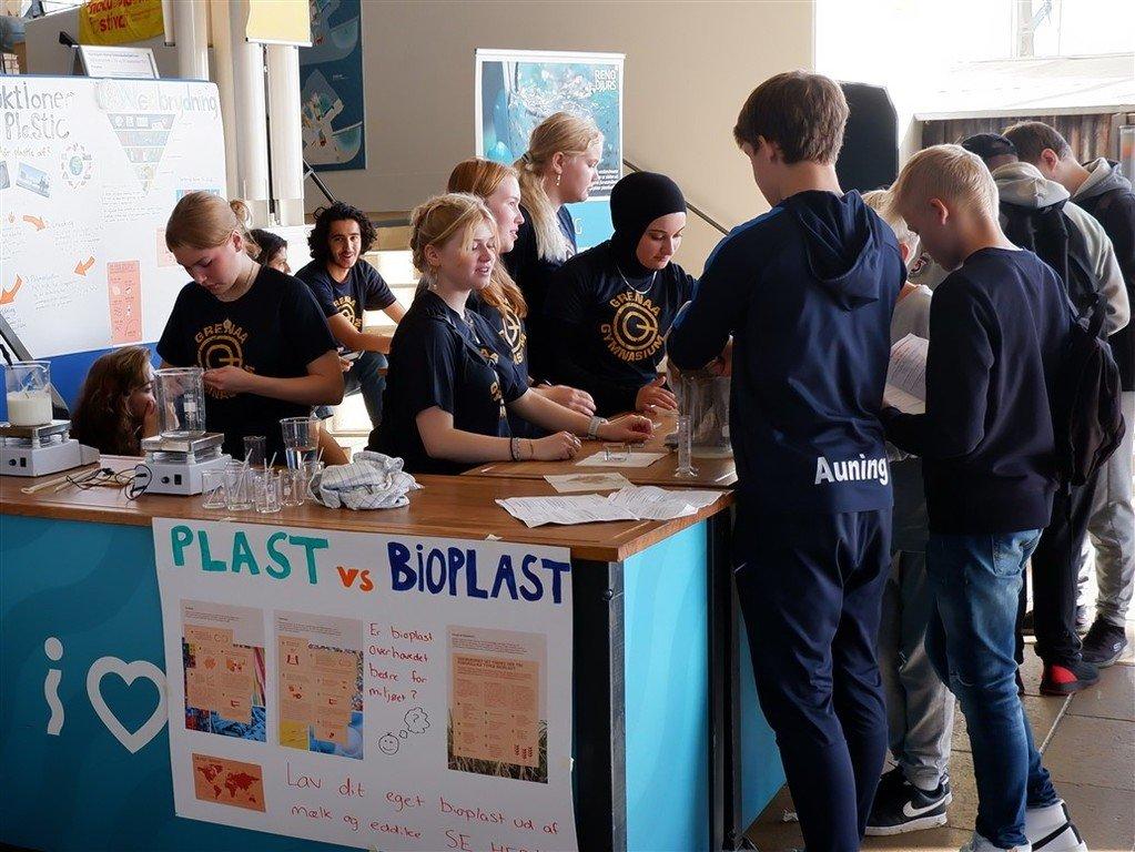Elever fra Grenaa Gymnasium på Naturvidenskabsfestival 2021 Helt vildt