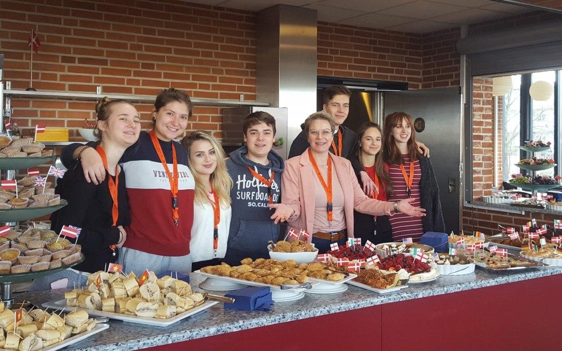 Internationalt kaffebord på Grenaa Gymnasiums kostskole