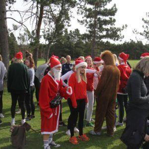 Idrætsdag 2018 med julemænd på Grenaa Gymnasium