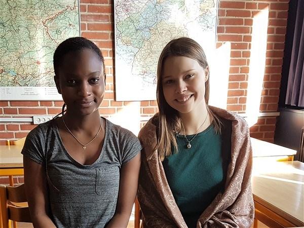Grenaa Gymnasiums sprogdag 2017. Eleverne levede sig ind i rollerne som flygtninge og måtte klare sig på deres 2. fremmedsprog.