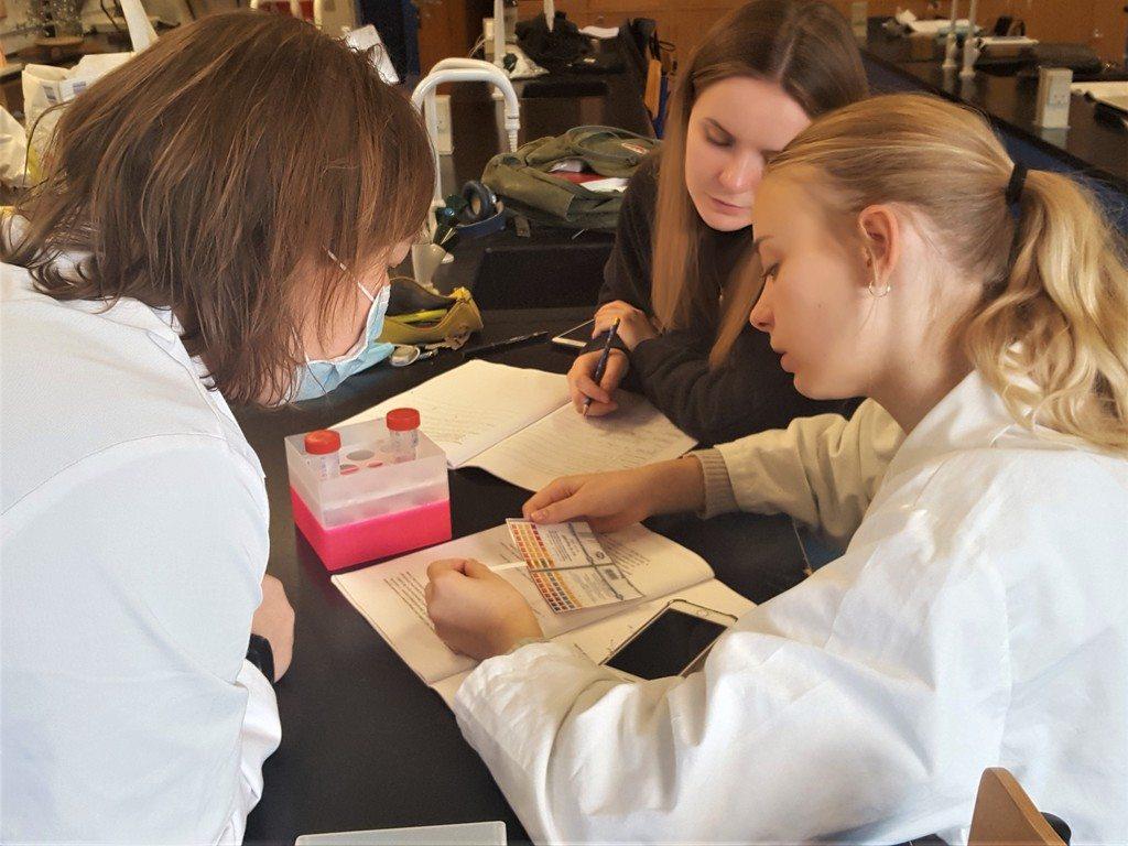 Undersøgelsesbaseret undervisning i naturvidenskab på Grenaa Gymnasium